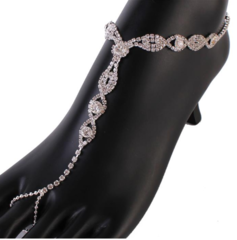 CASTING LEAVES RHINESTONES ANKLET WITH RING
