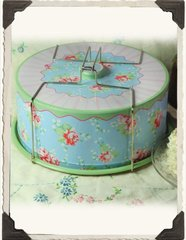 Nostalgic Cake Carrier