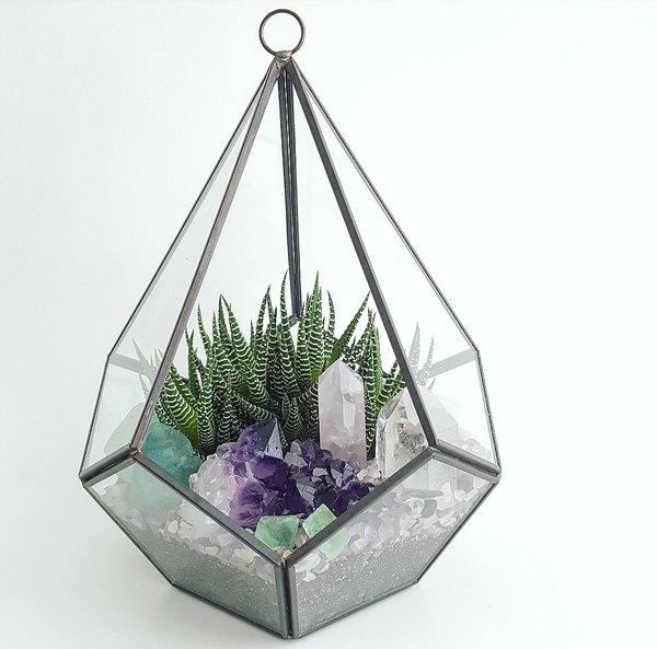 Geometric Glass Zen Den
