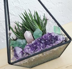 Geometric Glass Zen Den