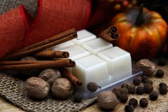Pumpkin pie soy wax melt. Soy is domestically grown in the USA. Non GMO. Palm & Paraffin free.