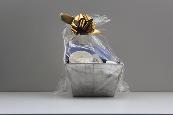 Avon gift baskets mixed selection h reitas online shop avon gift baskets mixed selection h negle Image collections