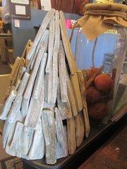 Driftwood Glitter Tree [S]