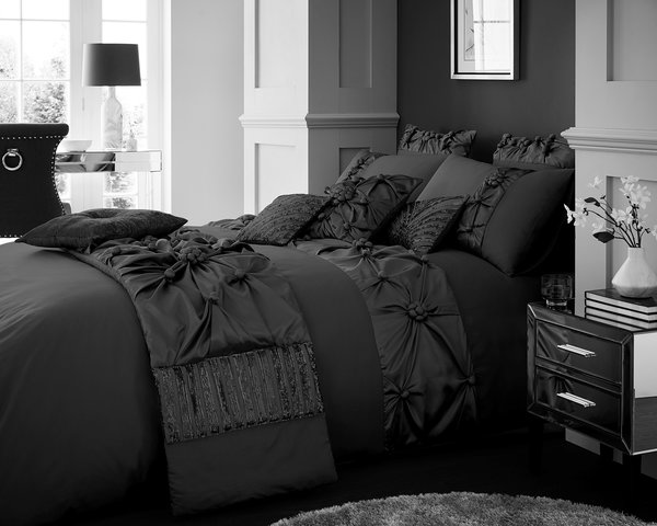 Vienna charcoal duvet cover