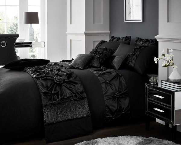 Vienna black duvet cover