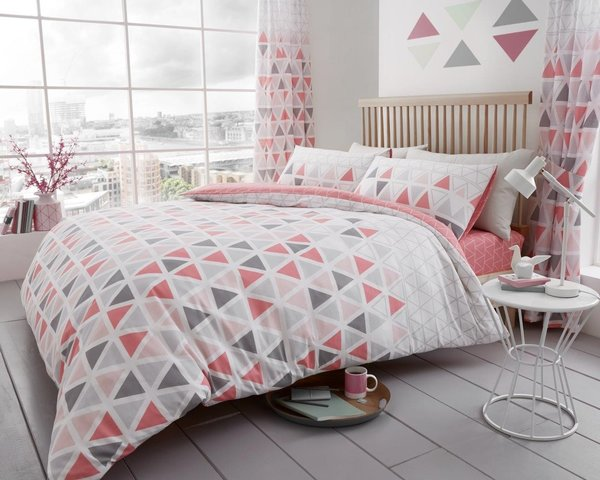 Geo Triangle pink duvet cover
