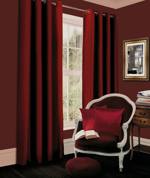 Thermal blackout red eyelet curtains