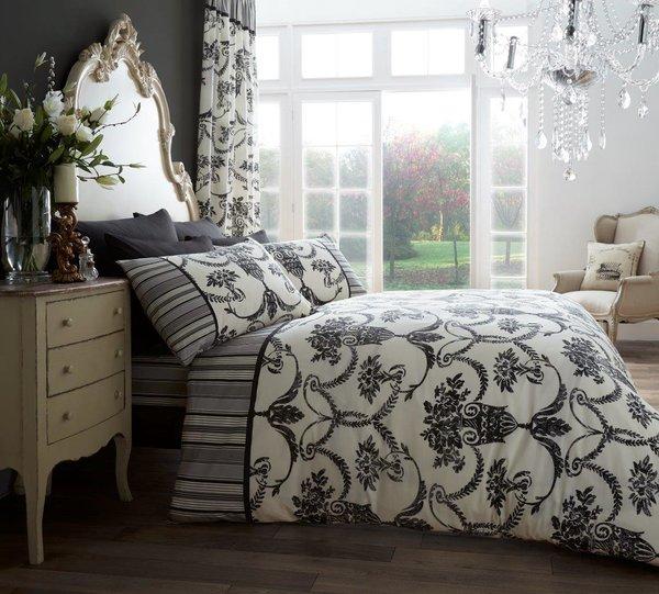 Richmond cream & black duvet cover