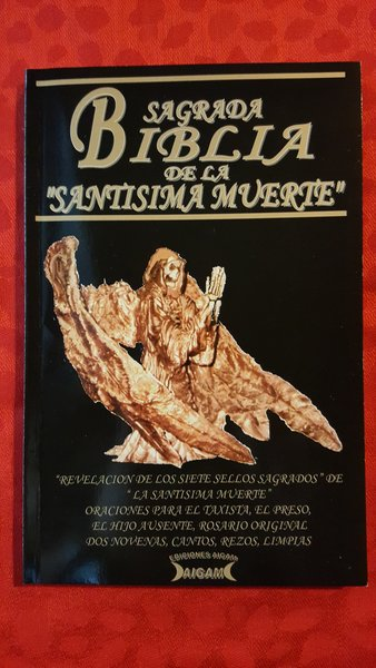 Sagrada Biblia de la Santa Muerte book