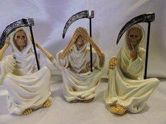 Santa Muerte Blanca No Ver, No Escuchar Y No Hablar - White Holy Death hear No Evil, See No Evil, & Speak No Evil