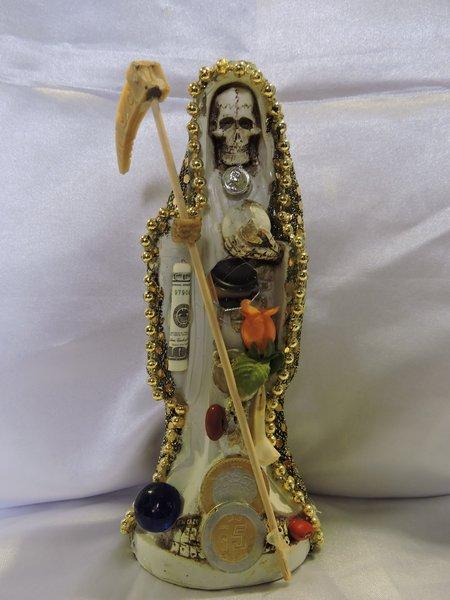Santa Muerte Vestida De Dorada - Holy Death With Gold Dress