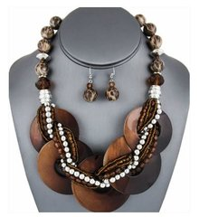 Multi Shell Disc Necklace Set-Brown