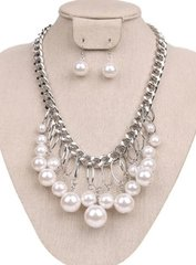 Tear Drop Pearl Necklace Set