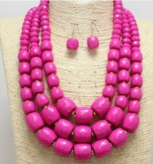 LUCITE PINK NECKLACE SET-PINK