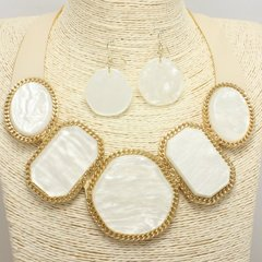 Leatherette & Shell Necklace Set-White/Gold