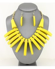 Wood Fringe Bib Necklace Set-Yellow