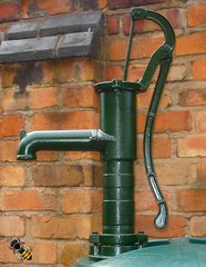 Hand Water Pump Working Cast Iron or Garden Ornament Water Feature Green