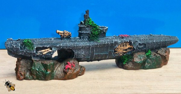 Submarine U Boat Rocks War Sub Wreck Ornament Aquarium