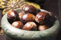 3 Nutmeg Nuts