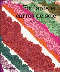 FOULARDS ET CARRES DE SOIE