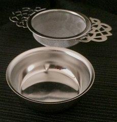 TEA STRAINER WITH DRIP BOWL (EMPRESS TEA ROOM DESIGN)