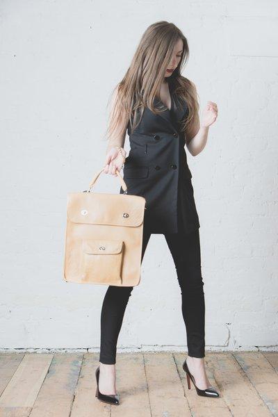 Oliver Twist Messenger Bag