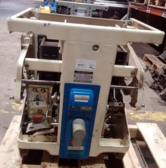 GE Low Volage Power Circuit Breaker