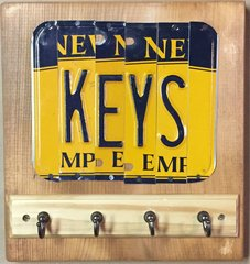 Q. NY Key Holder Sign