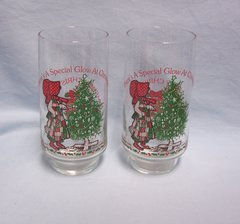 GLASSES: Pair Vintage Holly Hobbie Christmas Beverage Glasses Limited Edition Coca-Cola 1982