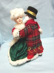 "Animated Santa and Mrs Claus Holiday Skate 12"" Battery Operated"