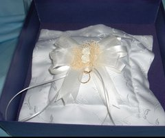 WEDDING ACCESSORIES: Wedding Ring Bearer's Pillow Cathys Concepts Satin Ivory French Bouq. #71291