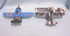 TOYS: Pair Classic Wing Aircraft Planes Diecast Metal Pull back Action Run n Spin Propeller