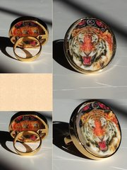 Tiger Premium Gold Ring Selfie