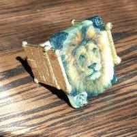 Golden Lion Ring/ At Lion