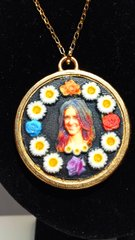 Flower Medallion Murcianic@ Selfie