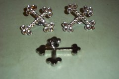 CATHEDRAL CROSS PIN