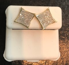 10kt yellow gold & real diamond earring