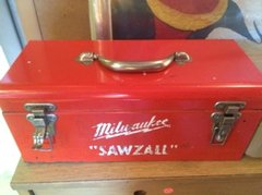 amazing condition vintage red toolbox