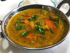 Vegetable Korma, Rice & Paratha - 4 Person