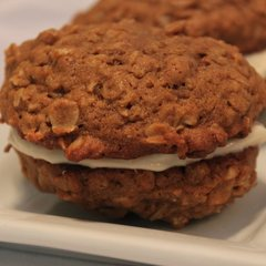 Oatmeal Maple Cream Sandwich Cookies (12)