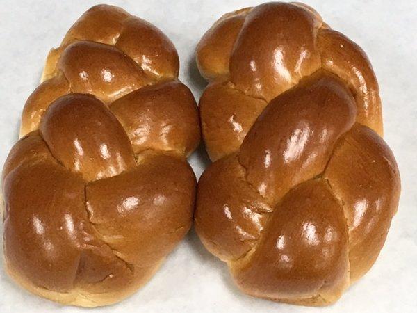 Sam's Bakery Medium Egg Challahs 2 Pieces