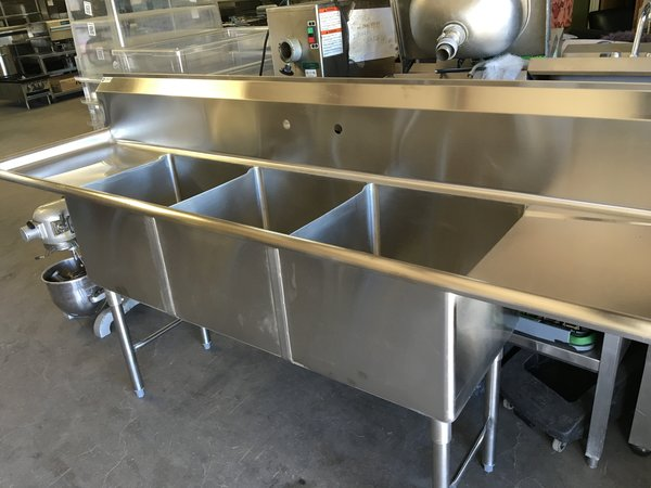 3-Compartment Sink with extra deep wells | Stainless Steel Ranch