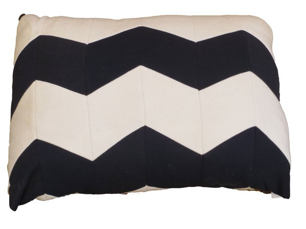 CrateMates Diamond Pillow Pet Bed - Blue White Zig Zag