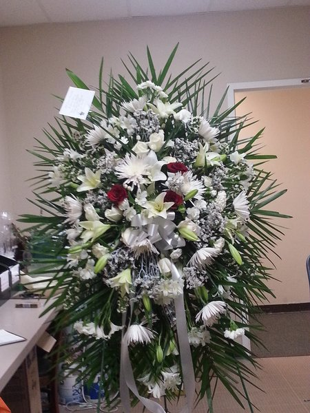 Sympathy easel white mixed flowers flowers of sandy springs sympathy easel white mixed flowers mightylinksfo