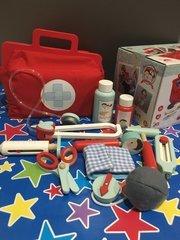 Le Toy Van Wooden Doctors Set