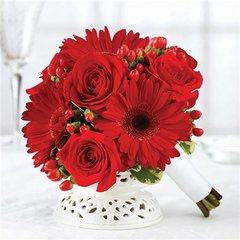 ALL RED PETITE BOUQUET - wed03