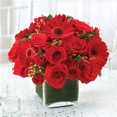 ALL RED CENTERPIECE - wed11