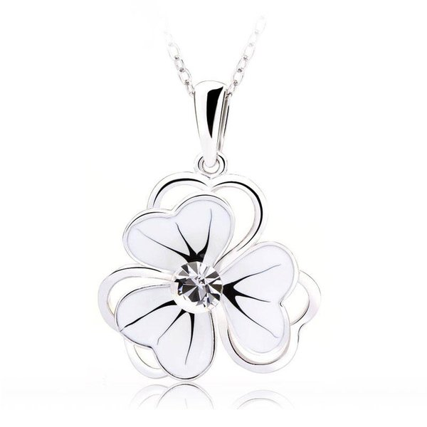 ZENA Flower Necklace Made with Crystals From Swarovski