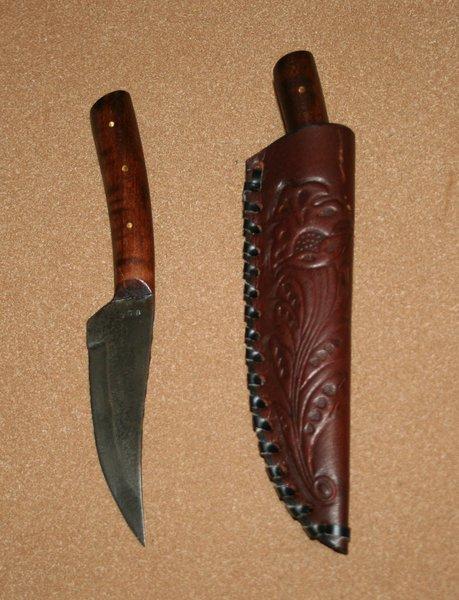 Medium Frontier Skinner W/ Stamped Leather Belt Sheath