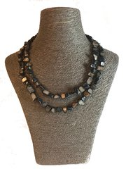 Handmade Mother of Pearl Necklace ( Blue )